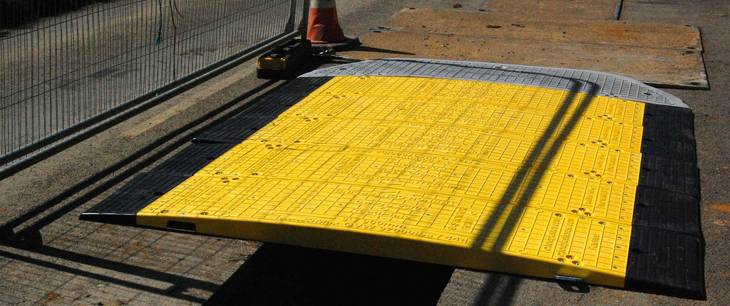 PreviousNext & Road Plate 23/05 - Civil Safety Products